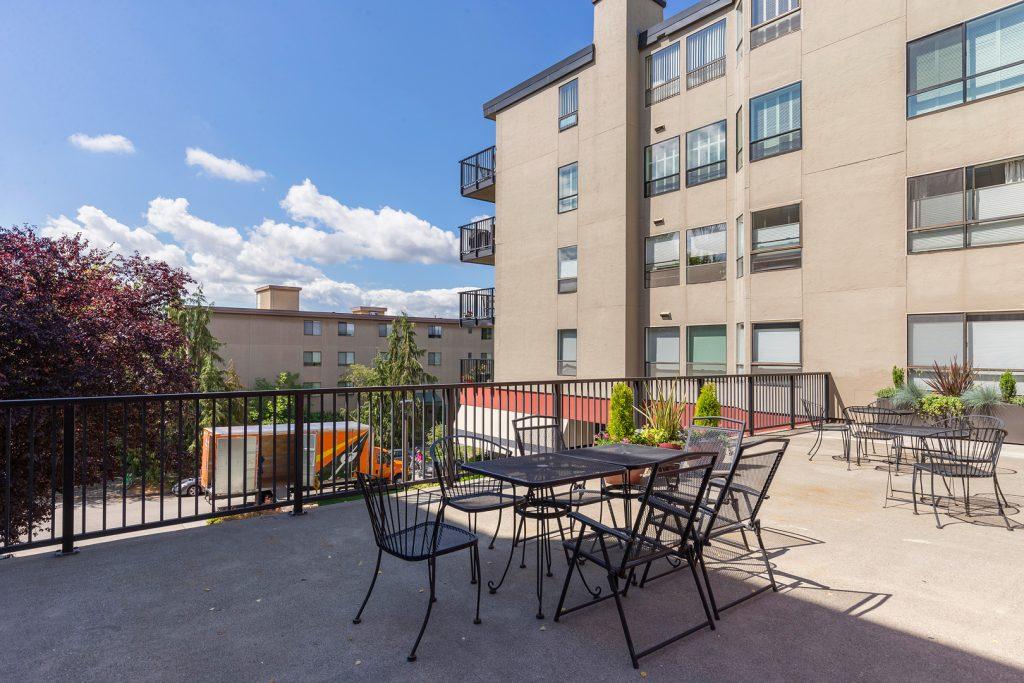 03 community patio